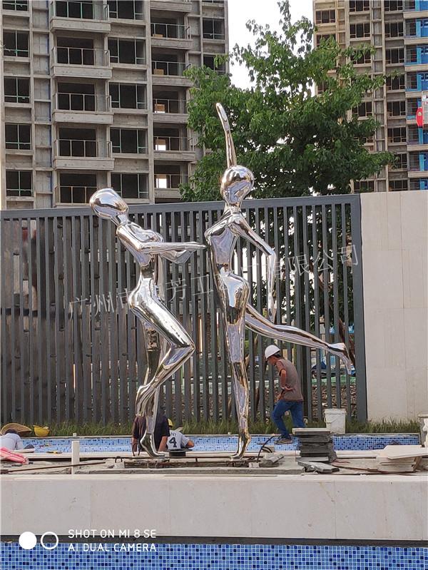 顺德华侨城不锈钢人物雕塑案例