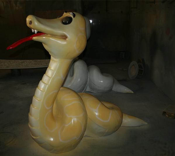玻璃钢蛇雕塑
