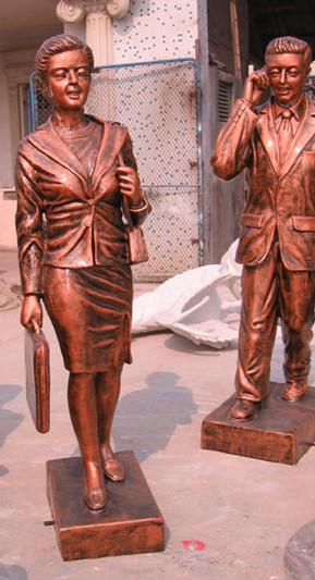 人物雕塑   玻璃钢上班族雕塑