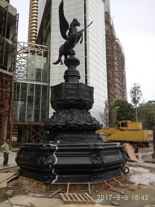 飞马喷泉组合玻璃钢雕塑