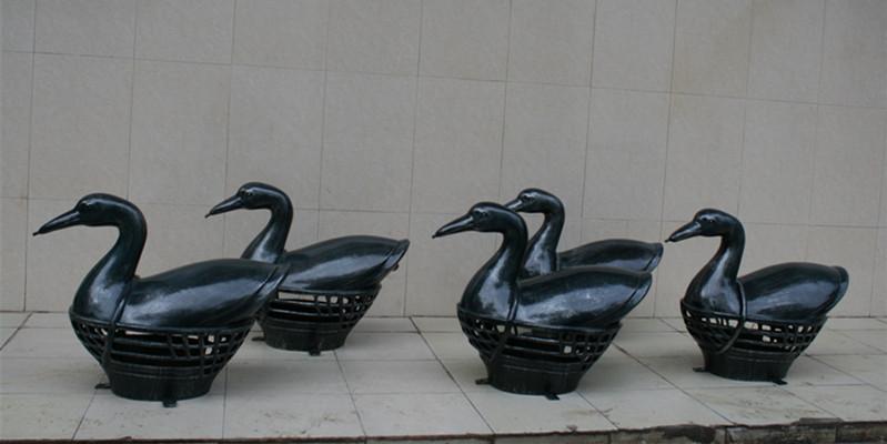 鸭子玻璃钢雕塑