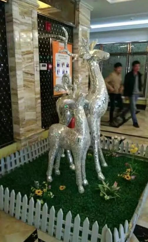 玻璃钢鹿马赛克雕塑