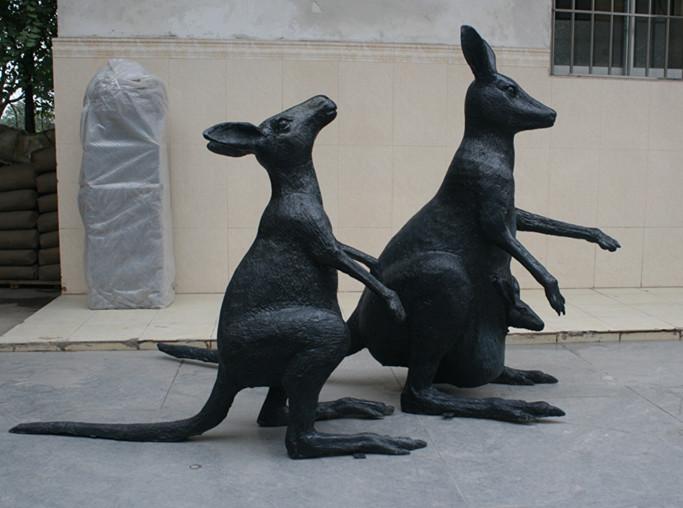 玻璃钢袋鼠雕塑
