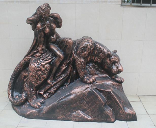 玻璃钢豹子雕塑