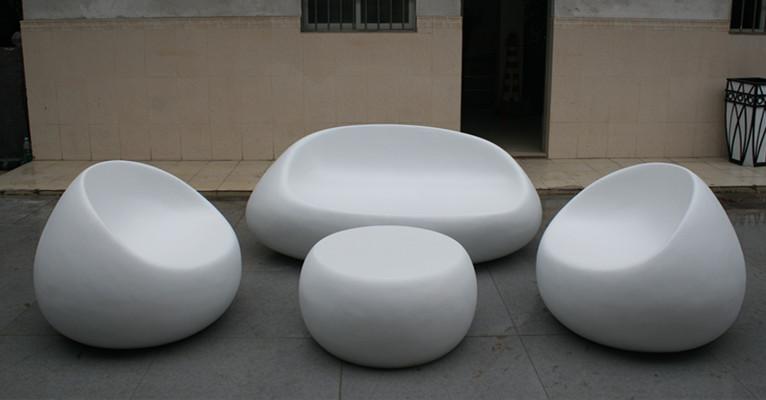 白色蛋形玻璃钢休闲座椅