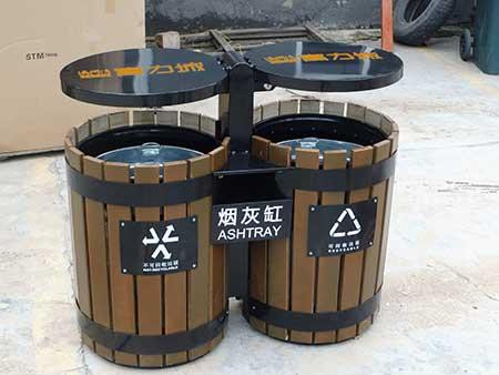 黑色简易玻璃钢垃圾桶