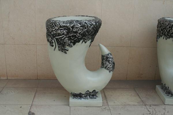 创意牛角型玻璃钢花盆