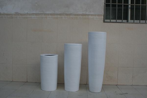 玻璃钢白色商场花盆组合
