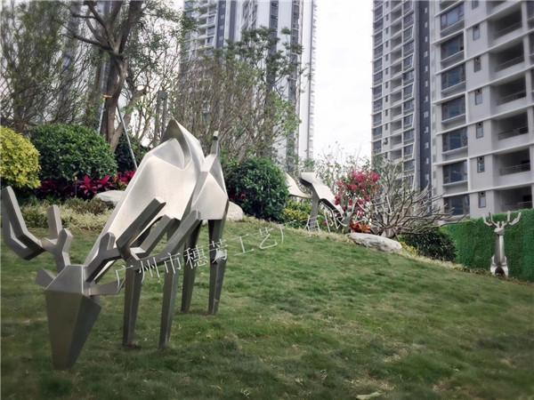 不锈钢锻造镜面动物抽象鹿雕塑 不锈钢动物雕塑景观装饰摆件