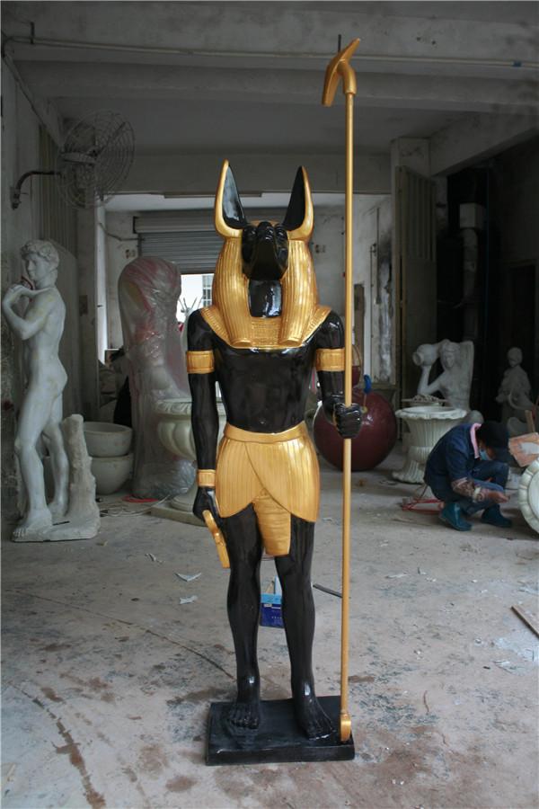 玻璃钢狼人护卫雕塑