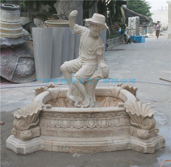 小男孩雕塑仿砂岩工艺喷泉