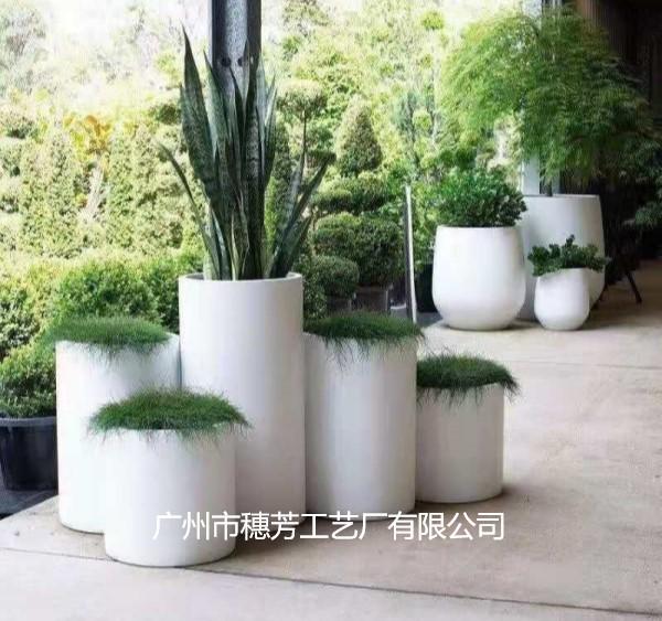 白色圆型商场组合花盆