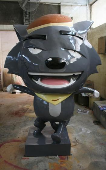 卡通雕塑   灰太狼玻璃钢雕塑
