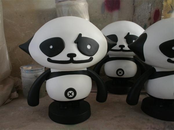 卡通雕塑   黑白熊猫玻璃钢雕塑