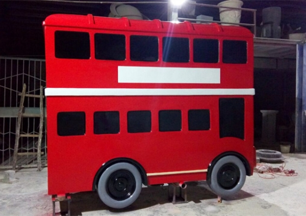 卡通巴士车模型玻璃钢雕塑