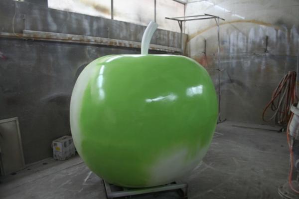 商业街雕塑   苹果玻璃钢雕塑