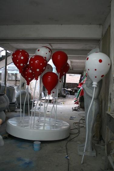 商业街雕塑   气球玻璃钢雕塑
