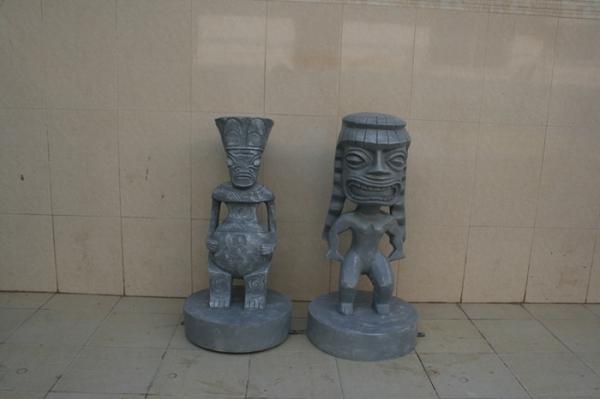 园林景观雕塑  石头人头像玻璃钢雕塑