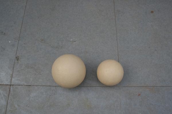 商业街雕塑   圆球玻璃钢雕塑