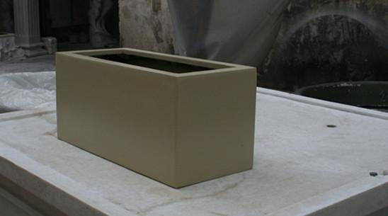淡黄色玻璃钢花槽