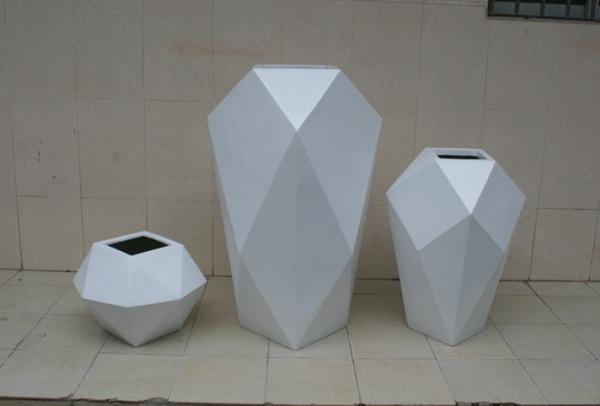 花盆        白色玻璃钢不规则花盆