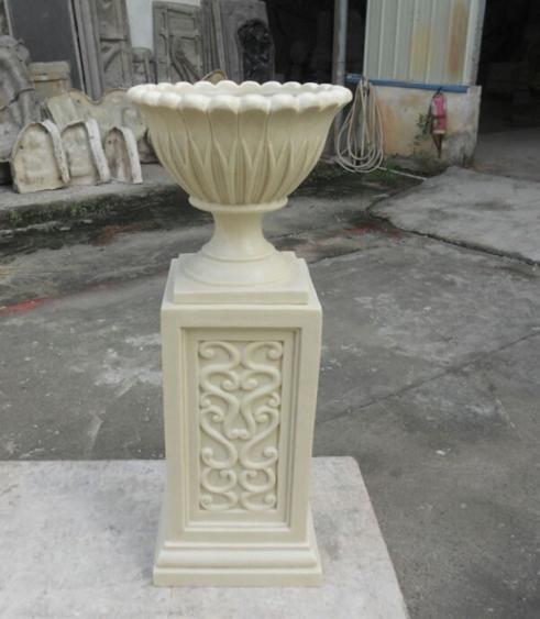 乳白色欧式砂岩雕饰花托盆