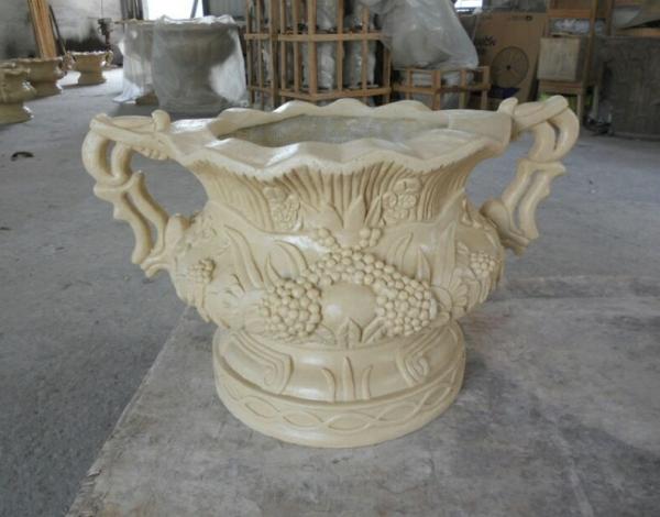 乳白色欧式砂岩雕饰花盆