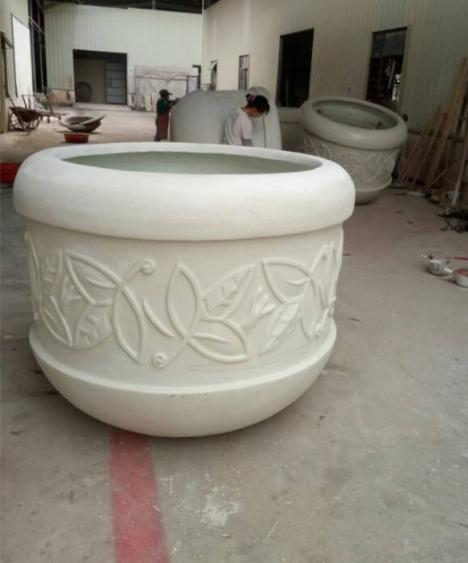 乳白色欧式玻璃钢斜纹花盆