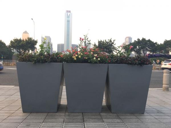 灰色 街道玻璃钢组合花盆