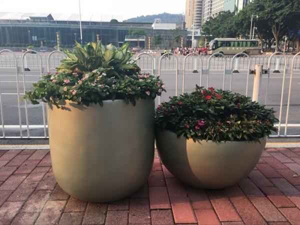 明黄色街道玻璃钢组合花盆
