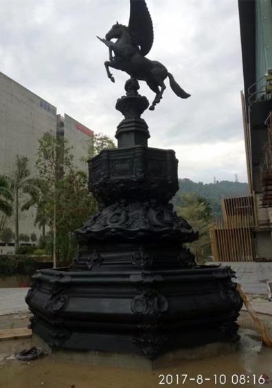 喷泉雕塑       飞马玻璃钢雕塑