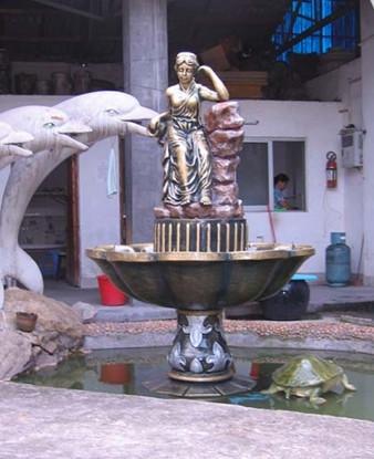 小女孩玻璃钢喷泉雕塑