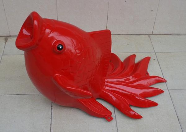 喷泉雕塑         红鲤鱼玻璃钢雕塑