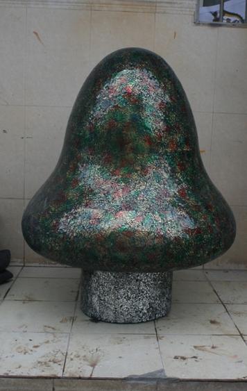 玻璃钢雕塑       马赛克蘑菇雕塑