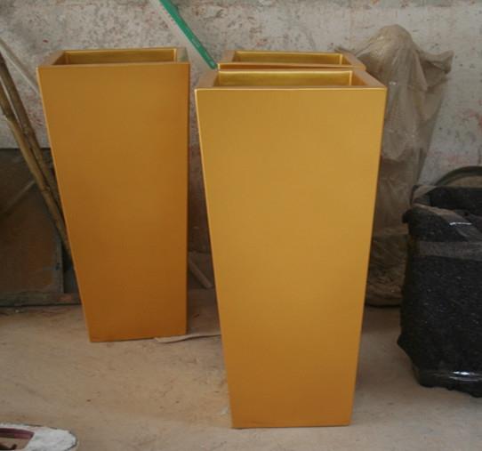黄色斜口玻璃钢花盆组合