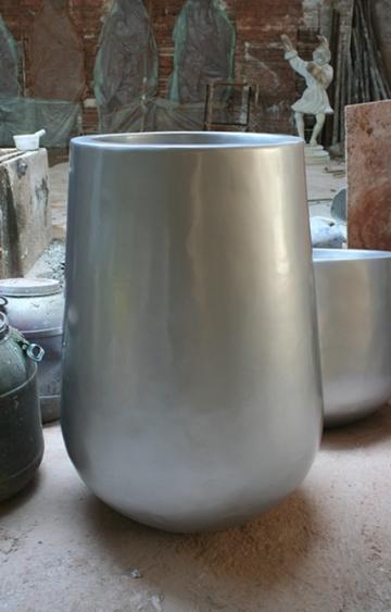 灰色玻璃钢花盆