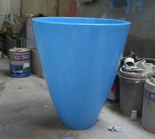 浅蓝色玻璃钢花盆