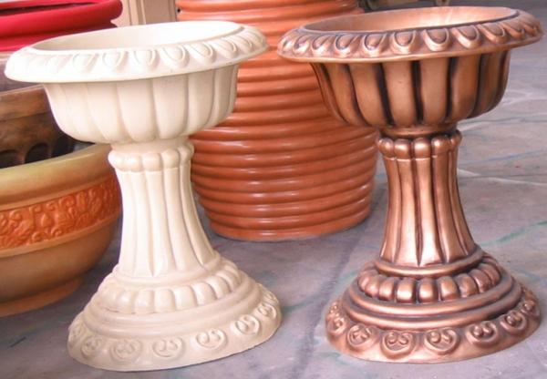 白铜色杯形玻璃钢组合花盆