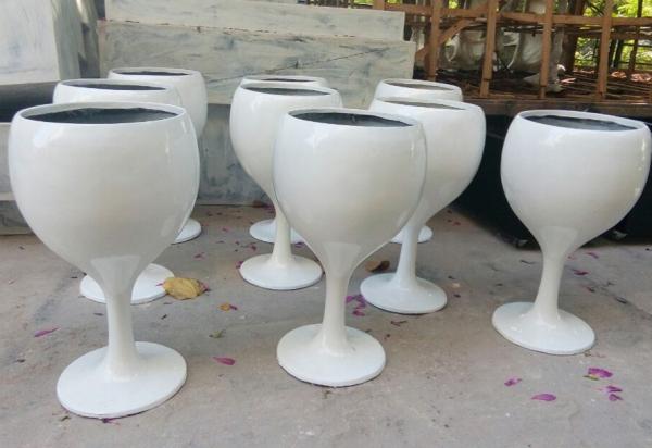 白色杯状玻璃钢组合花盆