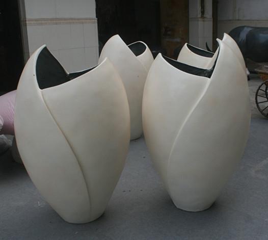 玻璃钢白色斜口花盆组合