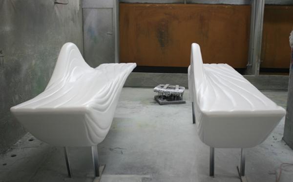 玻璃钢白色波浪形座椅