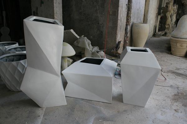 玻璃钢白色不规则组合花盆