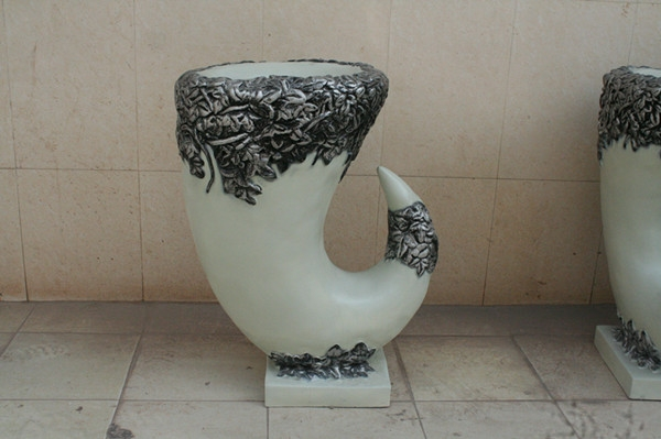 玻璃钢白色景观花盆