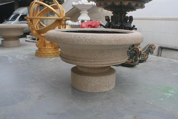 黄色石漆花盆
