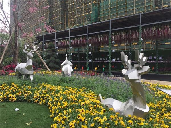 几何抽象鹿 不锈钢雕塑