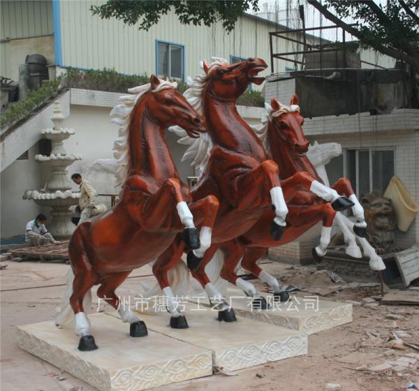 骏马奔腾广场大型群雕塑