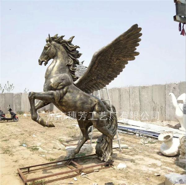 仿古铜带翅膀骏马玻璃钢雕塑