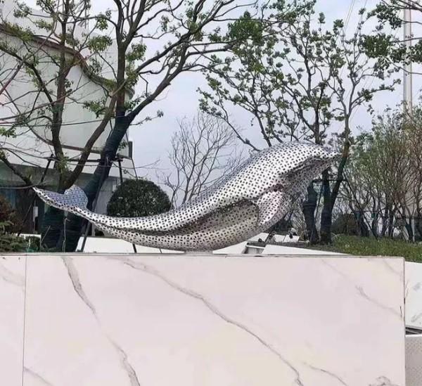 镂空不锈钢海豚雕塑房地产售楼部景观雕塑