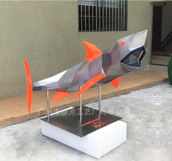 几何鲨鱼玻璃钢雕塑展厅装饰模型摆件